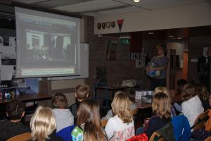 School kids Dwingeloo chat globally about stars